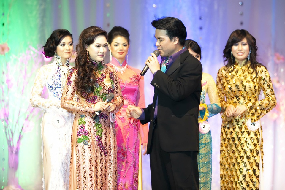 Miss Vietnam - Hoa Hau Ao Dai Bac Cali 2010 - Pageant Day - Image 108