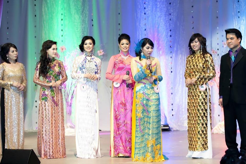 Miss Vietnam - Hoa Hau Ao Dai Bac Cali 2010 - Pageant Day - Image 111