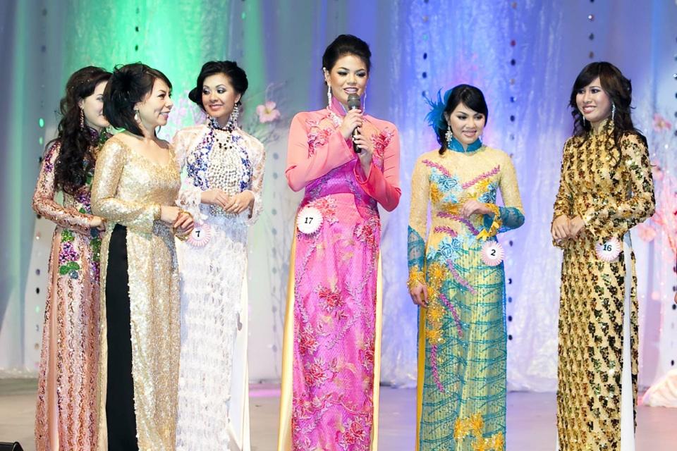 Miss Vietnam - Hoa Hau Ao Dai Bac Cali 2010 - Pageant Day - Image 112