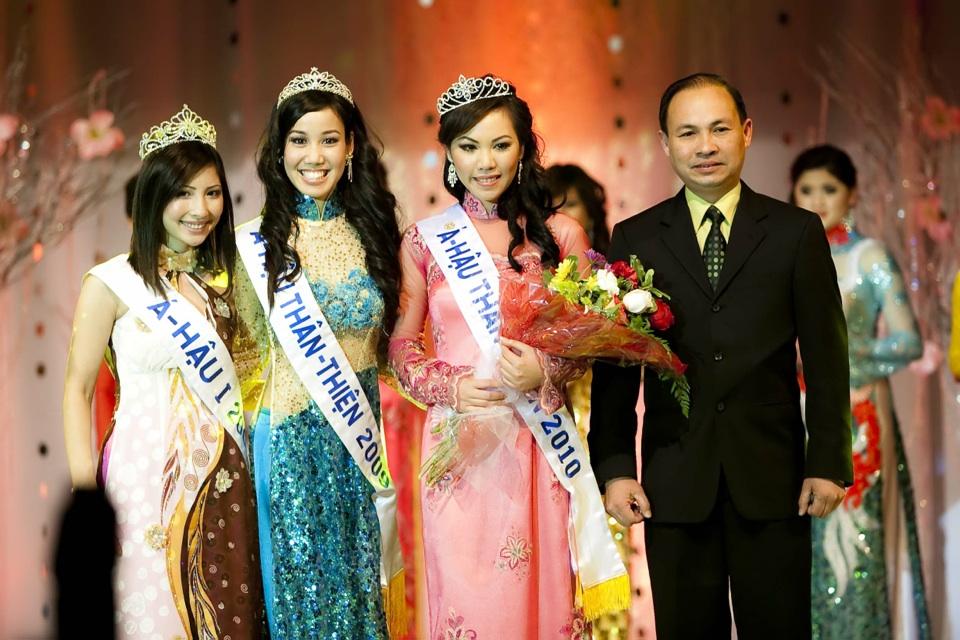 Miss Vietnam - Hoa Hau Ao Dai Bac Cali 2010 - Pageant Day - Image 118