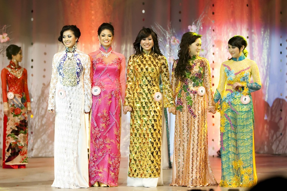 Miss Vietnam - Hoa Hau Ao Dai Bac Cali 2010 - Pageant Day - Image 119