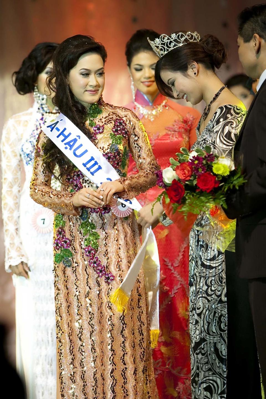 Miss Vietnam - Hoa Hau Ao Dai Bac Cali 2010 - Pageant Day - Image 121
