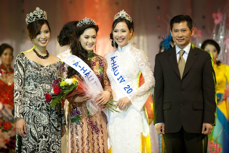 Miss Vietnam - Hoa Hau Ao Dai Bac Cali 2010 - Pageant Day - Image 122