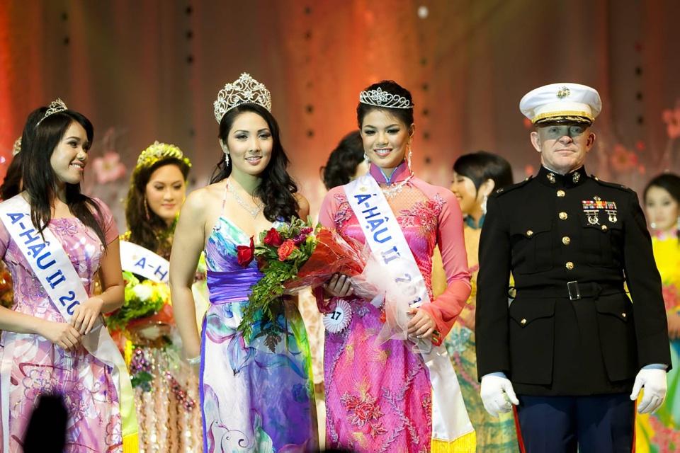 Miss Vietnam - Hoa Hau Ao Dai Bac Cali 2010 - Pageant Day - Image 123