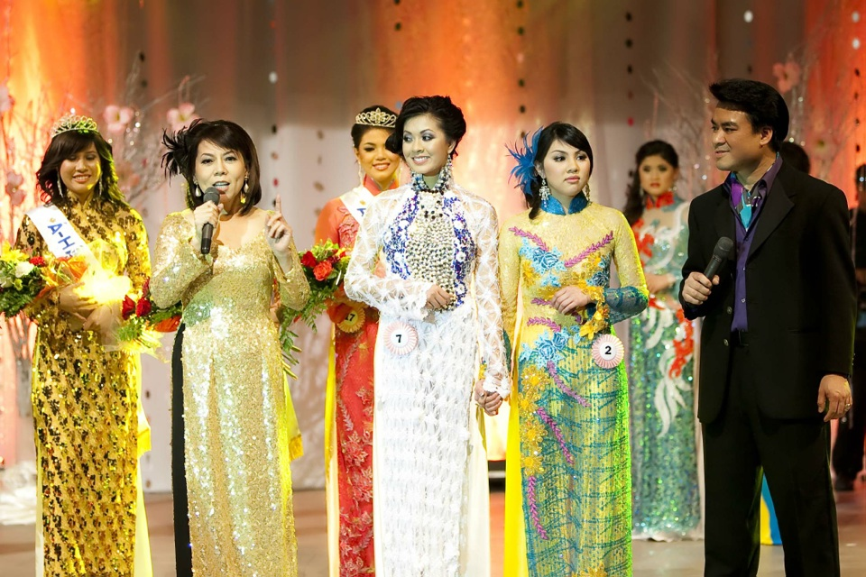 Miss Vietnam - Hoa Hau Ao Dai Bac Cali 2010 - Pageant Day - Image 124