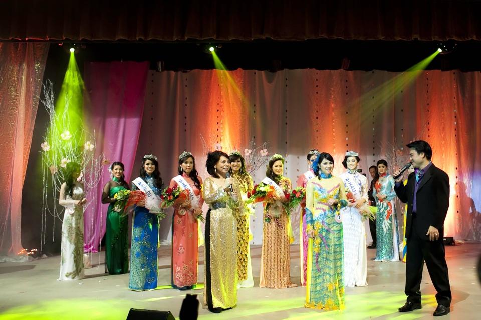 Miss Vietnam - Hoa Hau Ao Dai Bac Cali 2010 - Pageant Day - Image 127