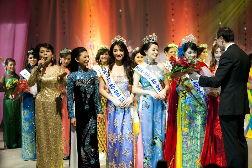 Miss Vietnam - Hoa Hau Ao Dai Bac Cali 2010 - Pageant Day - Image 129