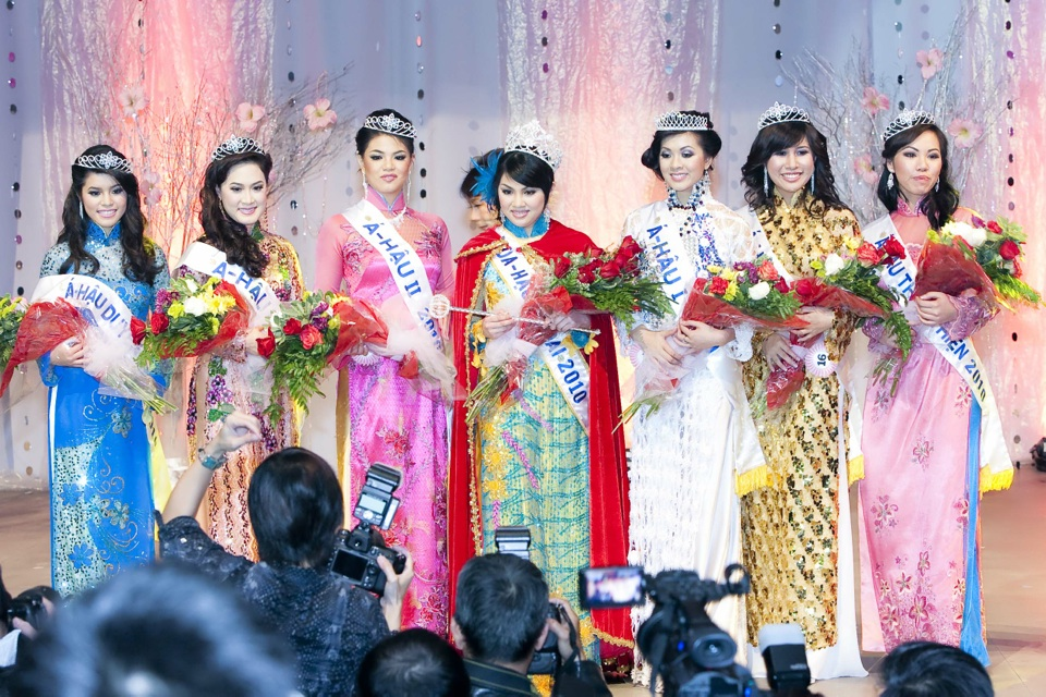 Miss Vietnam - Hoa Hau Ao Dai Bac Cali 2010 - Pageant Day - Image 131