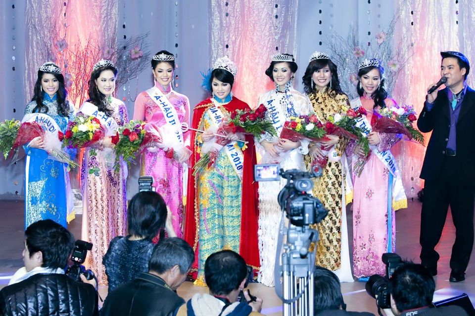 Miss Vietnam - Hoa Hau Ao Dai Bac Cali 2010 - Pageant Day - Image 132