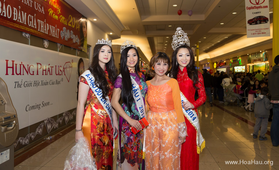 Tet Festival 2014 at Vietnam Town - Hoa Hau - Miss Vietnam - Image 230