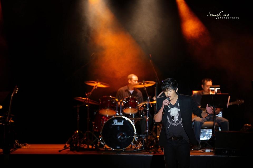 Vietnamese Love Concert 2013 - Trăm Nhớ Ngàn Thương  - Image 001