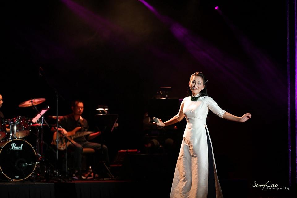 Vietnamese Love Concert 2013 - Trăm Nhớ Ngàn Thương  - Image 018