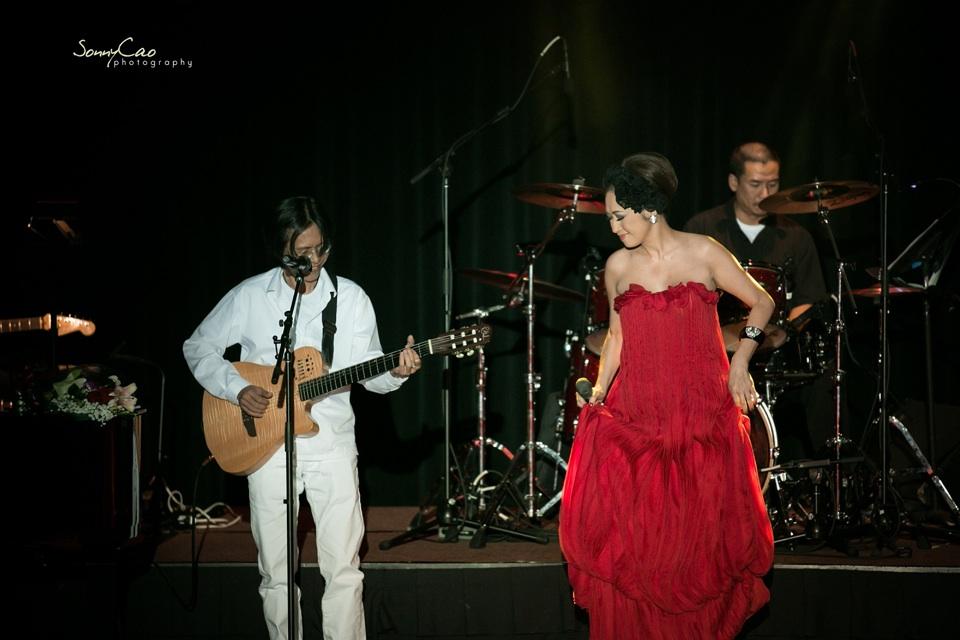 Vietnamese Love Concert 2013 - Trăm Nhớ Ngàn Thương  - Image 025