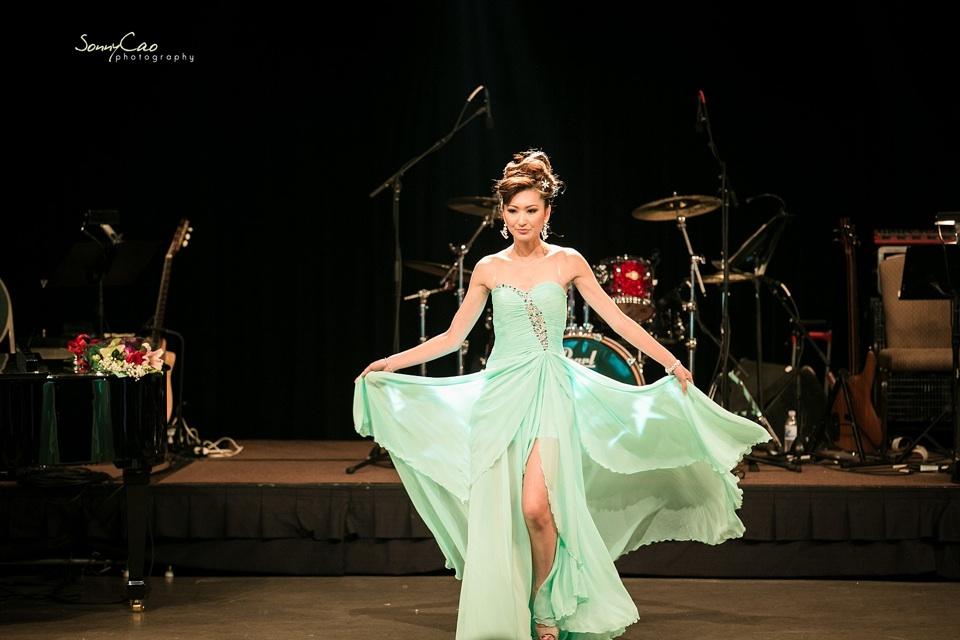 Vietnamese Love Concert 2013 - Trăm Nhớ Ngàn Thương  - Image 031