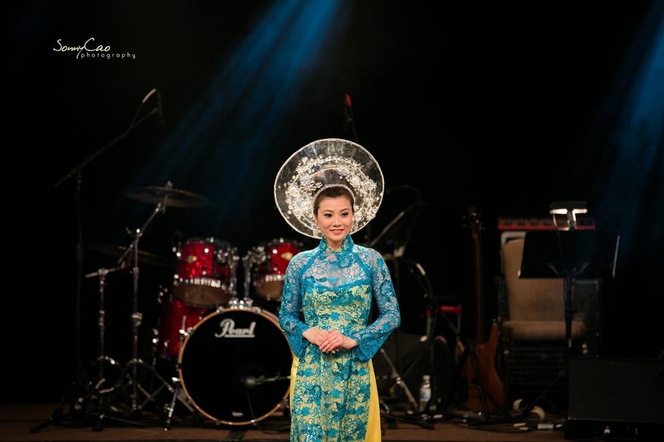 Vietnamese Love Concert 2013 - Trăm Nhớ Ngàn Thương  - Image 043