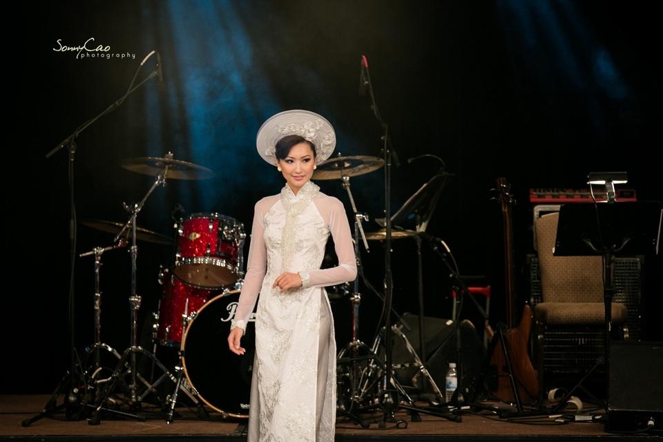Vietnamese Love Concert 2013 - Trăm Nhớ Ngàn Thương  - Image 045