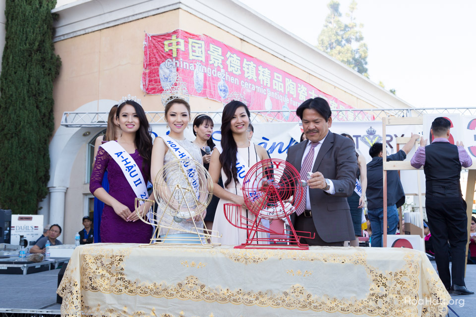 Vinh Thanh Jewelry Mercedes-Benz giveaway 2014 - Image 119