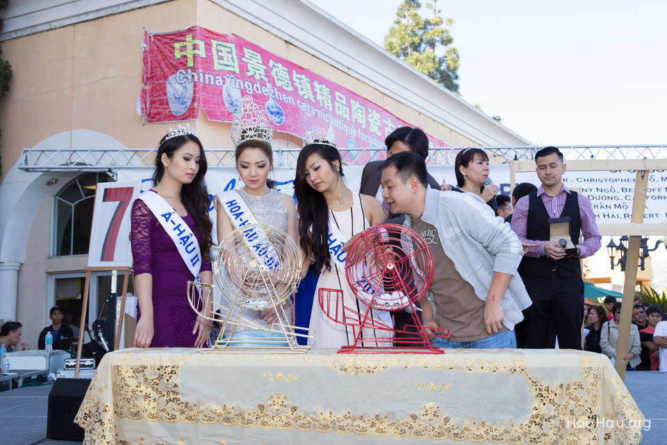 Vinh Thanh Jewelry Mercedes-Benz giveaway 2014 - Image 125