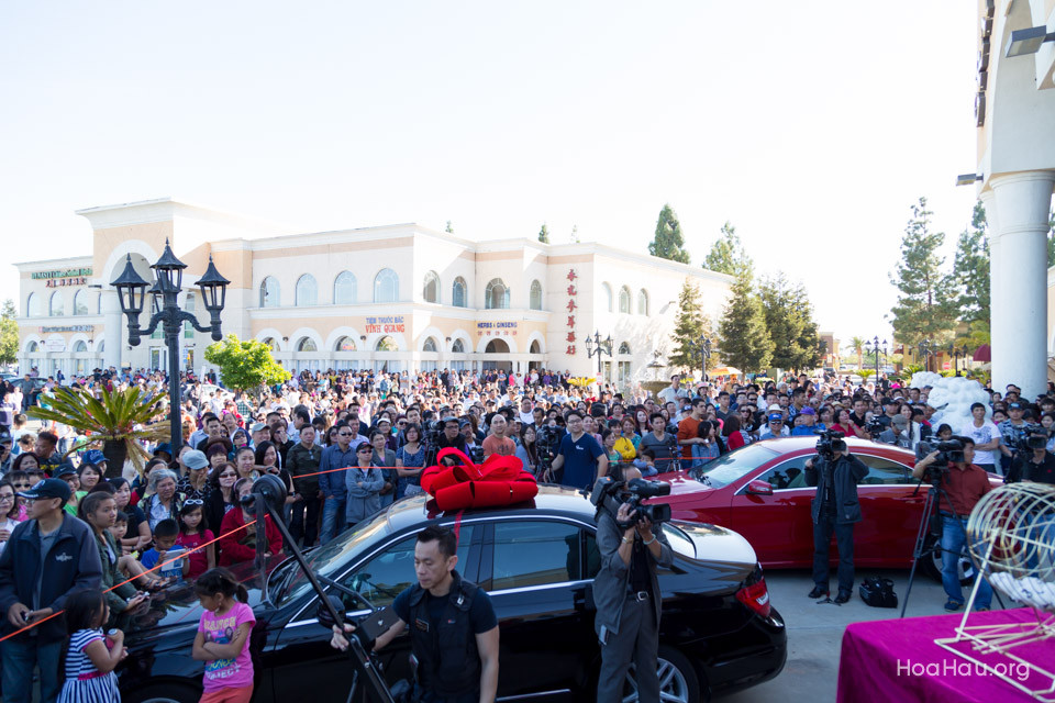 Vinh Thanh Mercedes-Benz Raffle Drawing 2015 - San Jose, CA - Image 116