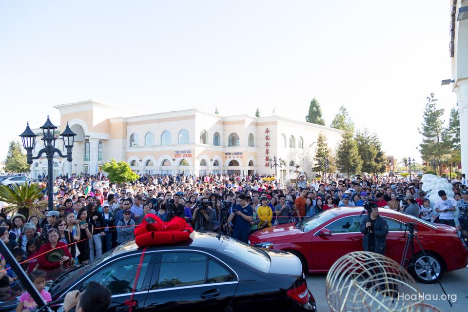 Vinh Thanh Mercedes-Benz Raffle Drawing 2015 - San Jose, CA - Image 123