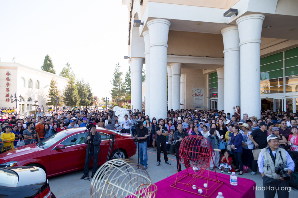 Vinh Thanh Mercedes-Benz Raffle Drawing 2015 - San Jose, CA - Image 124