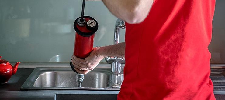 Débouchage d'un lave-main