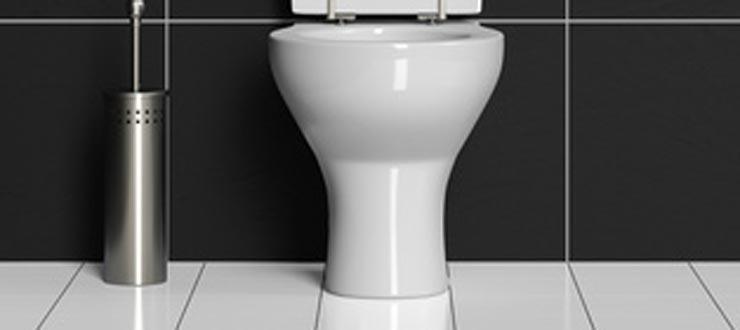 Réparation d'une fuite entre le socle et le sol : sellement WC