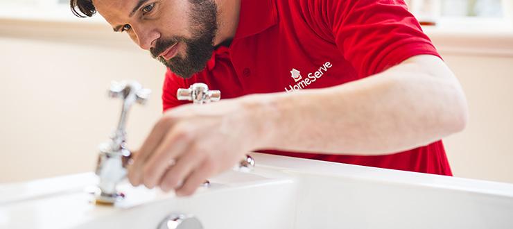 Pose d'un robinet mélangeur bain fourni par le client