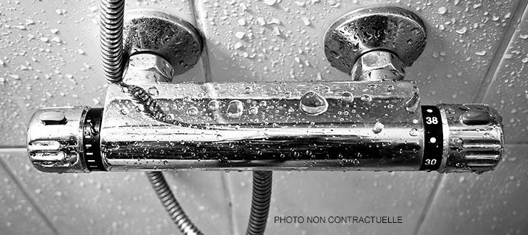 Pose d'un robinet mitigeur thermostatique douche fourni par le client