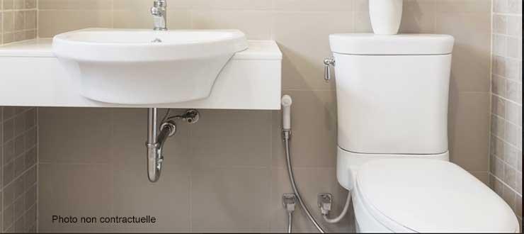 Recherche et réparation d'une fuite réservoir pour un WC simple