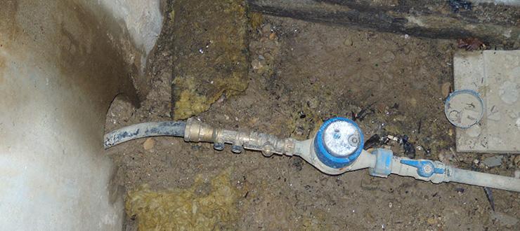 Réparation fuite apparente en fosse compteur