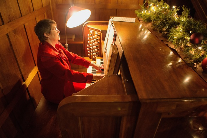 Music in the Mansion Holiday Tours