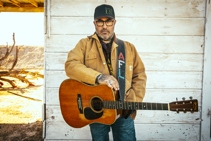 Aaron Lewis – Acoustic Songs & Stories
