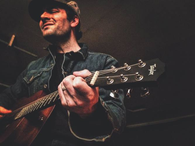 Live Music by Ryne Doughty