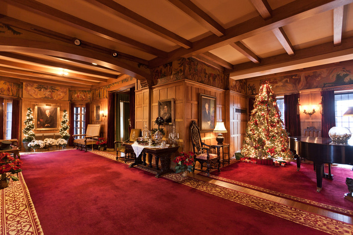 A Children's Brucemore Christmas: Self-Guided Mansion Tours