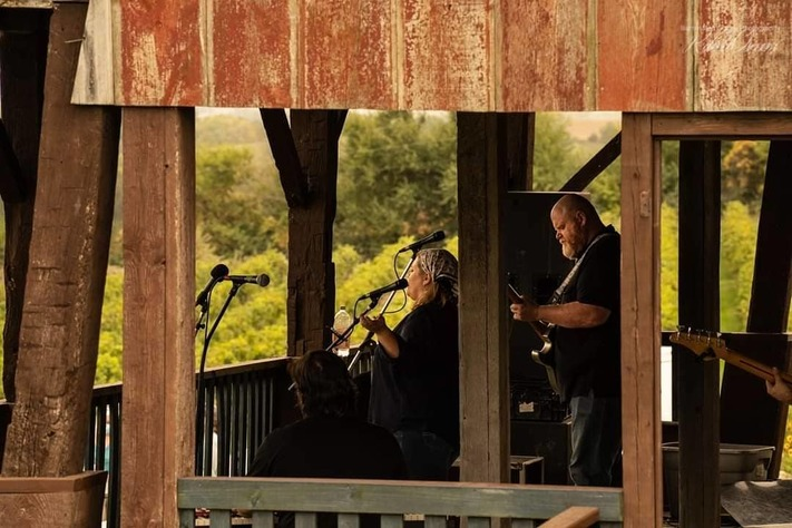 Blues in the Vineyard with Avey Grouws Band