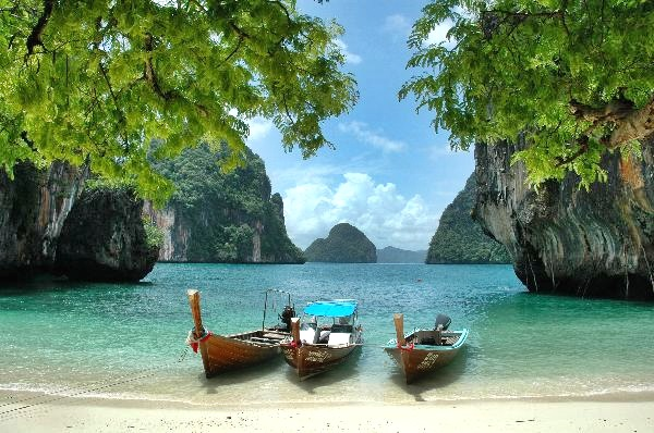 Hong Island Tour by Long-tail Boat