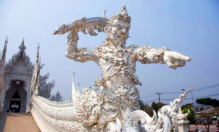 Chiang Rai Black and White Tour Full Day (Depart from Chiang Mai)