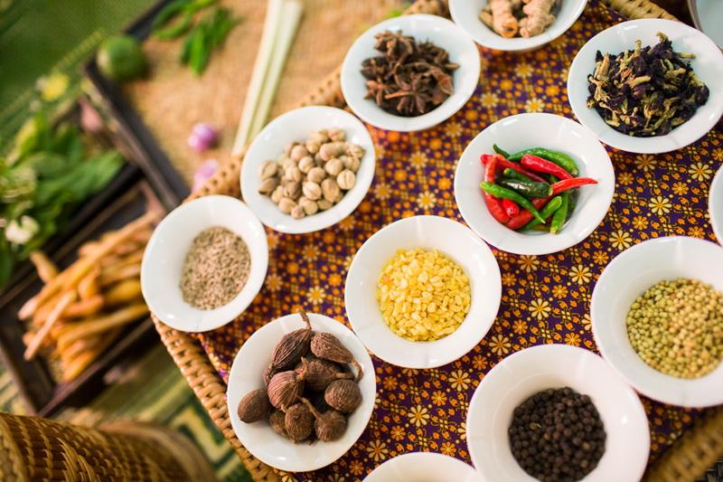 โรงเรียนสอนทำอาหารไทย สีลม