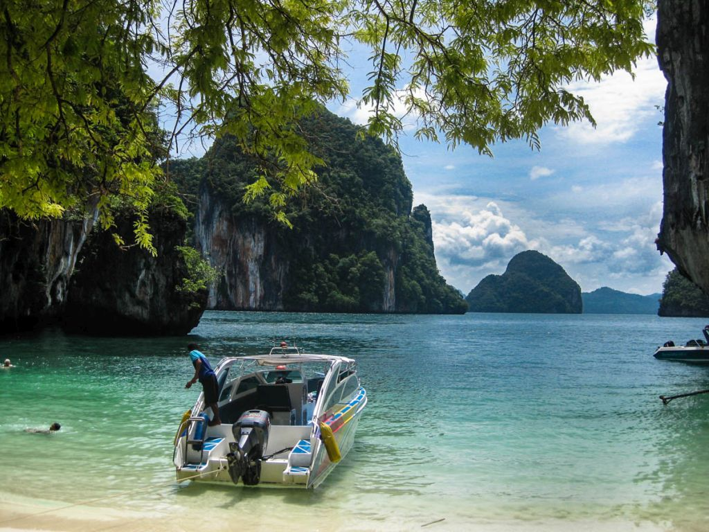 Hong Island Tour (by Speed Boat)