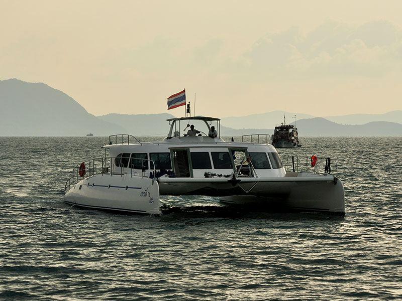 ล่องเรือสุดหรูเซเรนิตี้รอบเกาะสมุย