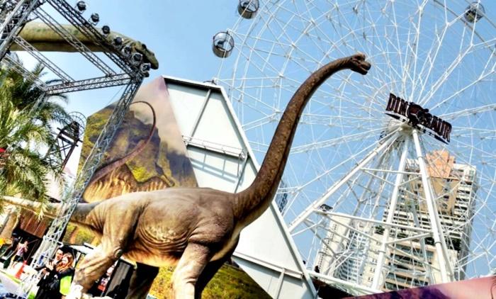 Dinosaur Planet @The Em District