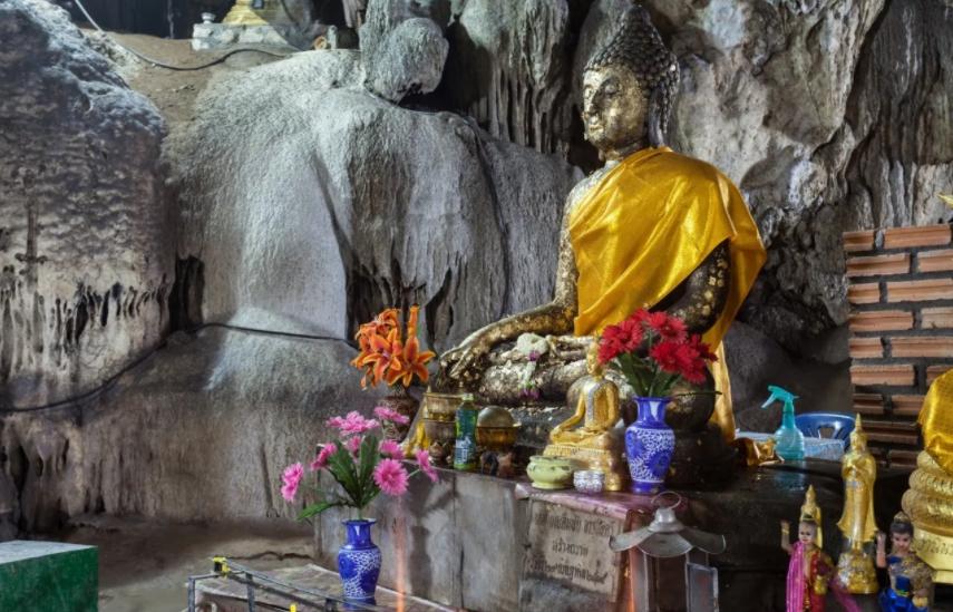 Chiang Dao Cave Trekking Tour
