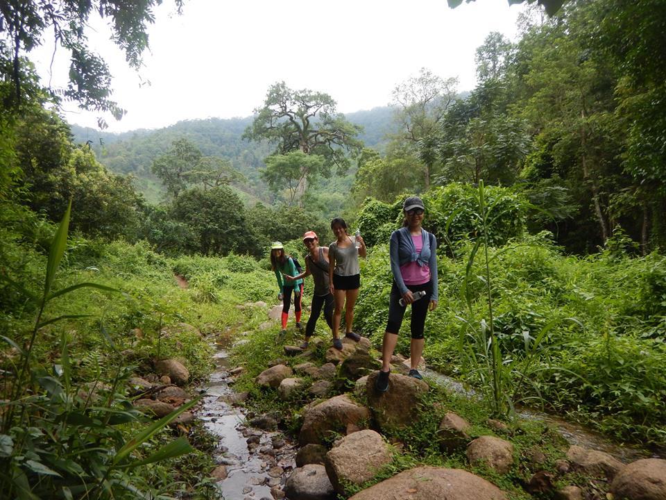 ทัวร์เดินป่าเที่ยวน้ำตกและล่องแพยาง (เชียงใหม่)
