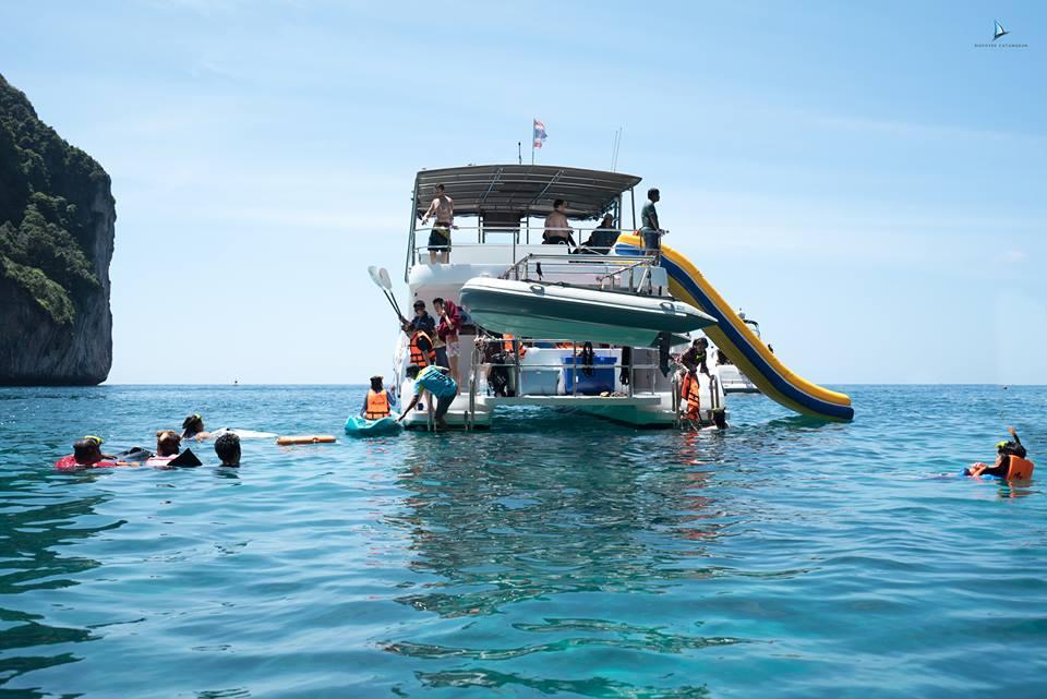 ทัวร์เกาะไม้ท่อน-เกาะพีพี โดยเรือพาวเวอร์แคทามารัน