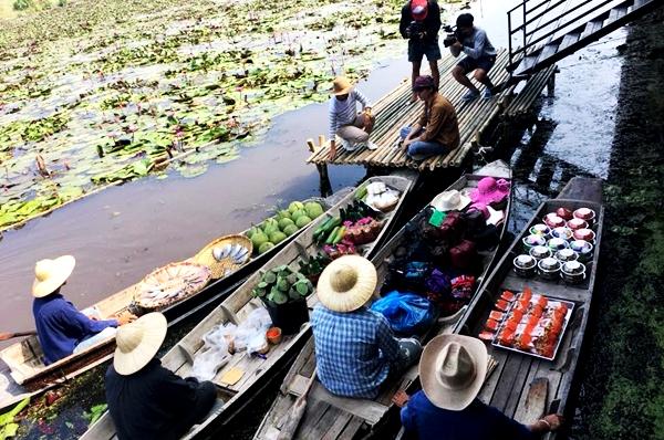ทัวร์ตลาดน้ำทุ่งบัวแดง ณ บางเลน