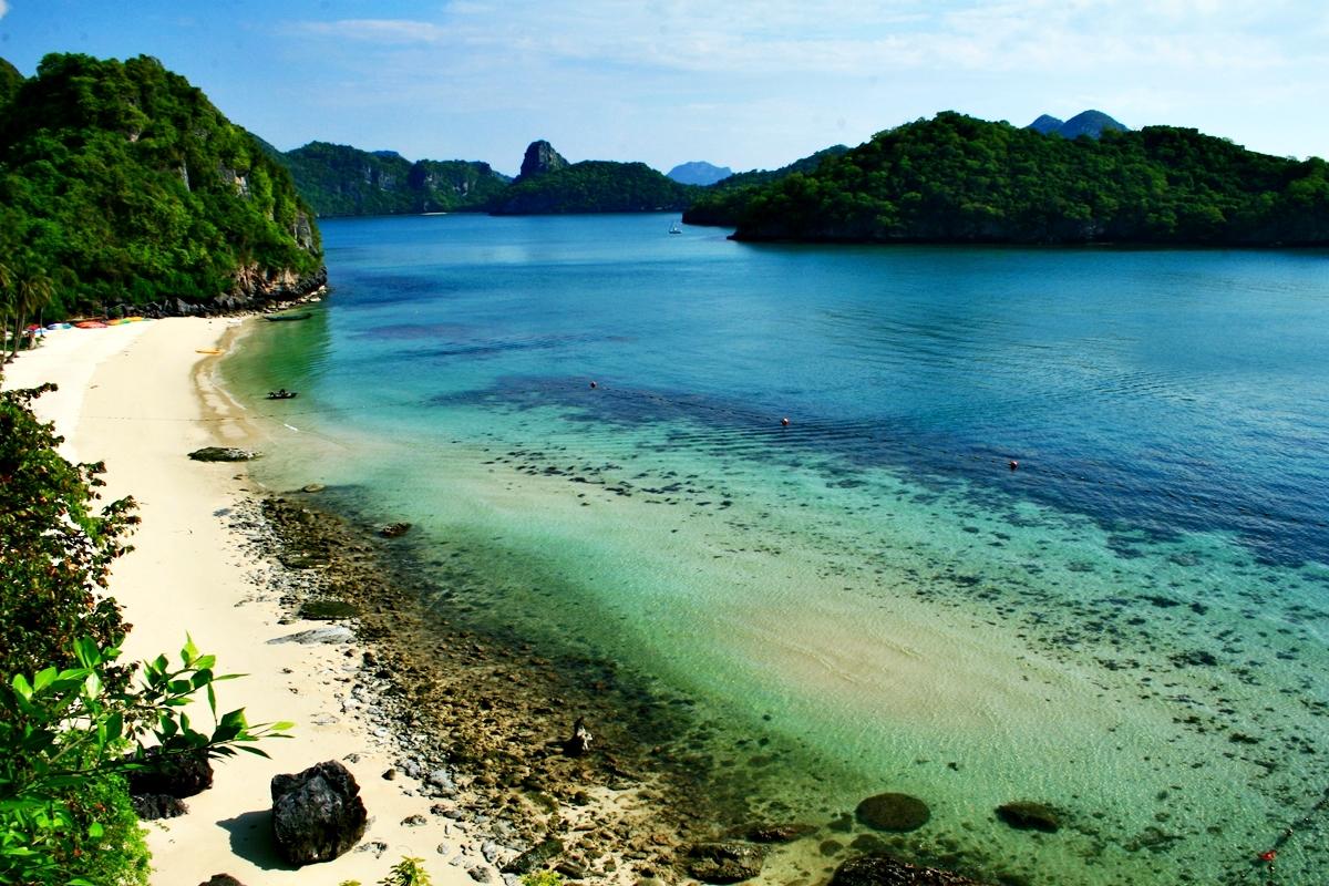 โปรแกรมทัวร์อุทยานแห่งชาติหมู่เกาะอ่างทอง โดยเรือใหญ่