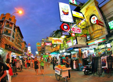 Hop On Hop Off Bus in Bangkok by Giants City Tour