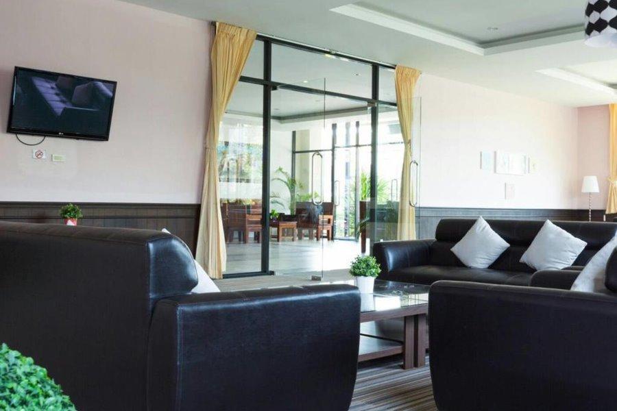 โรงแรมฉัตรแก้ว ฮิลล์ เรสซิเดนซ์
