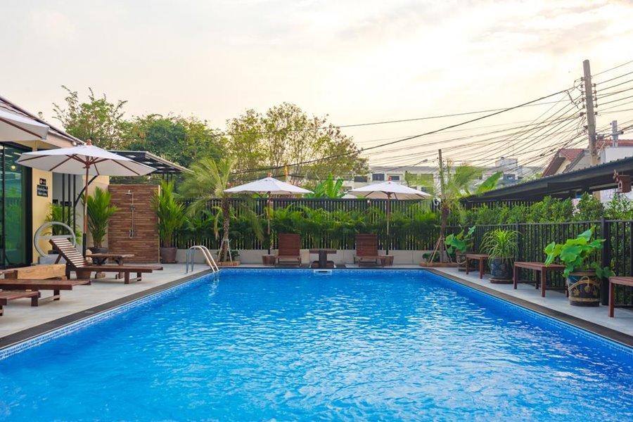 Suphan Lake Hometel Bangkok
